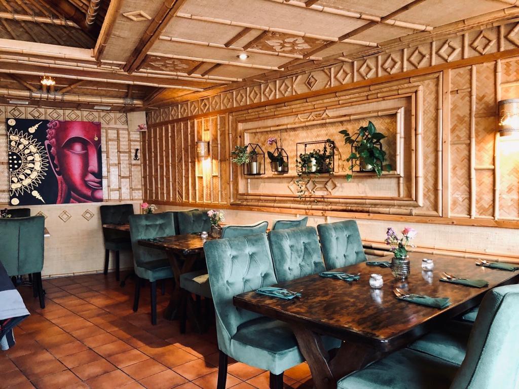 khon-thai-restaurant-raeumlichkeiten-restaurant_02