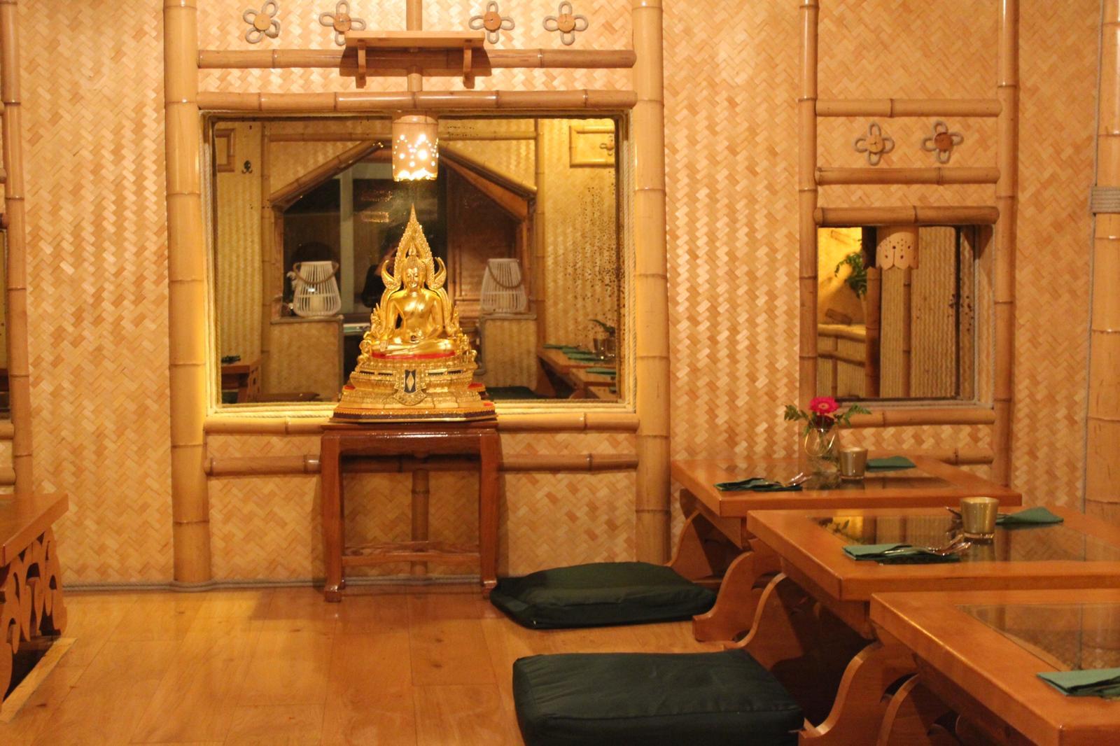 khon-thai-restaurant-raeumlichkeiten-traditioneller-raum-03